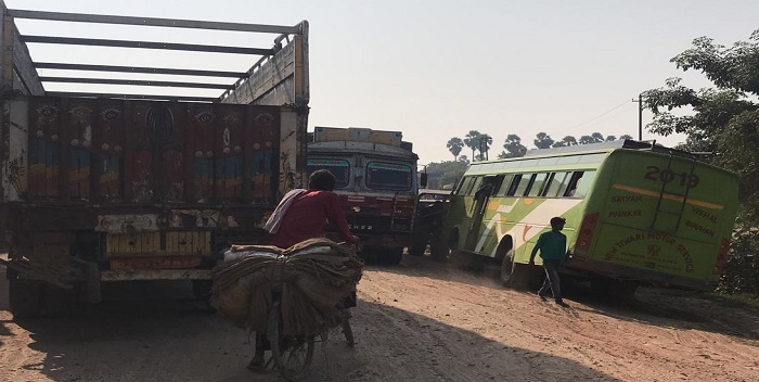 Entry and exit from Chhapra town have become difficult due to road 'Jam'