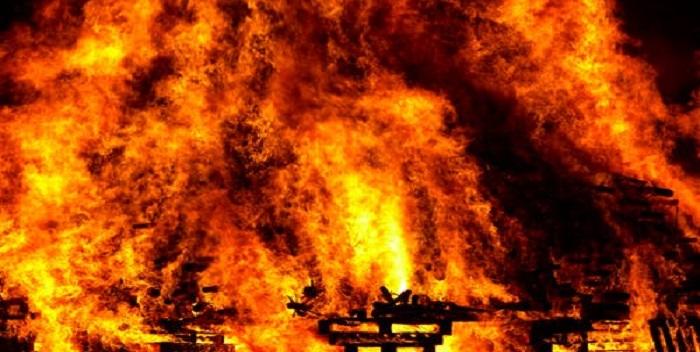 छपरा: शार्ट सर्किट से लगी आग, हजारों की संपत्ति जलकर हुई राख