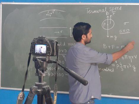 छपरा का शारदा क्लासेज1 जून से शुरू करेगा 11 वीं का बैच, 2019 में यहां के छात्रों को IIT में मिला था प्रवेश