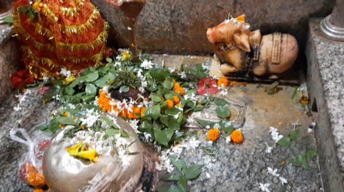 Corona Effect: सावन शुरू, मंदिरों को भक्तों के लिए रखा गया बंद