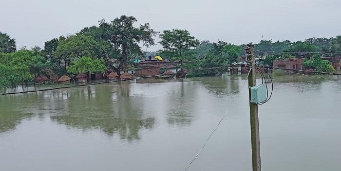 बाढ़: सारण जिले के 8 प्रखंडों की लगभग 7 लाख की आबादी प्रभावित
