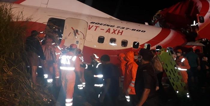 केरल में बड़ा विमान हादसा, हादसे में 2 पायलट समेत 15 लोगों की मौत
