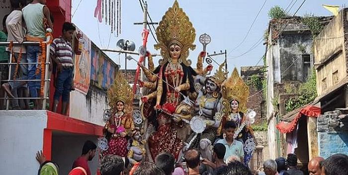 नवरात्र: नव दिनों तक पूजा अर्चना के बाद माता की हुई विदाई