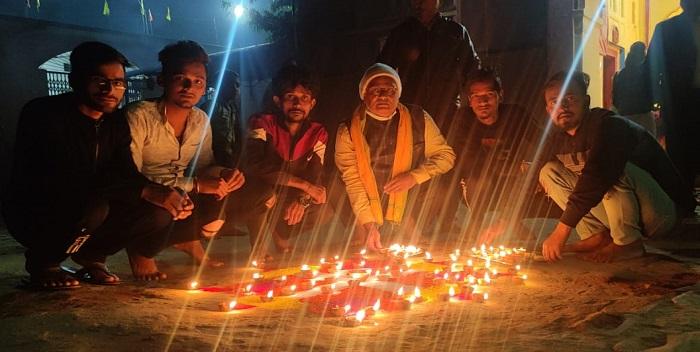 कार्तिक पूर्णिमा के अवसर पर उमानाथ मंदिर में देव दीपावली का हुआ आयोजन