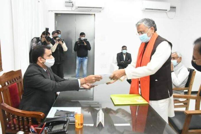 राज्यसभा उपचुनाव: NDA प्रत्याशी सुशील कुमार मोदी ने किया नामांकन