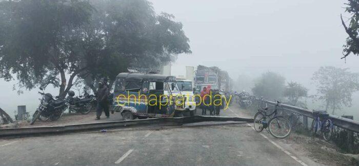 तेल टैंकर से 32 घंटे बाद निकाला गया शव, आक्रोशित लोगों ने सड़क जाम कर यातायात किया बाधित