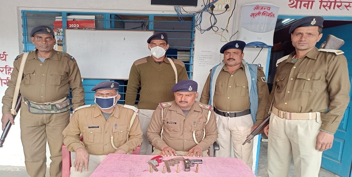 छपरा: हथियार के साथ बारात में शामिल थे अपराधी, पुलिस ने 2 अवैध हथियार के साथ चार अपराधी को किया गिरफ्तार
