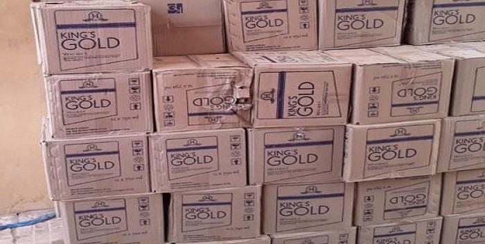 सारण पुलिस ने 2451.5 लीटर अंग्रेजी शराब किया बरामद, पुलिसकर्मियों ने गश्ती के दौरान पकड़ा शराब से लदा ट्रक